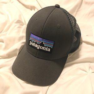 Patagonia Trucker Hat (Mesh Snapback)
